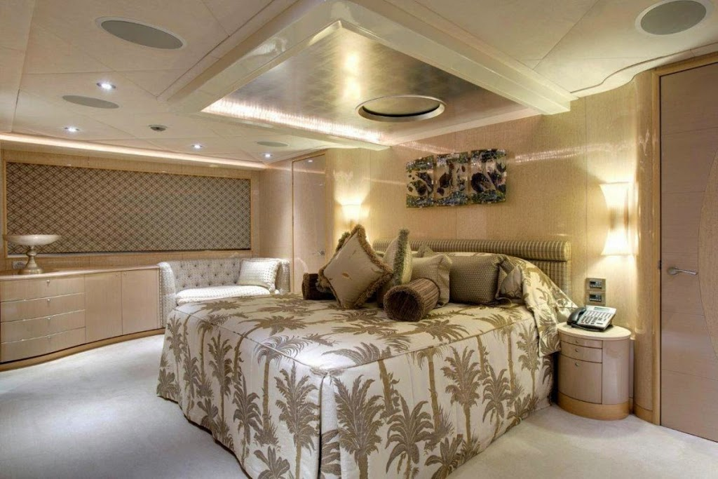 ophelia_fraser-yachts_central-agency-82-